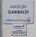 Plaque Maison Garibaldi (Habitat et Humanisme) aux 246-248 Rue Garibaldi (Lyon).jpg