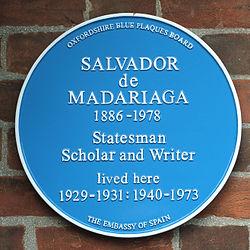 Photo of Salvador de Madariaga blue plaque