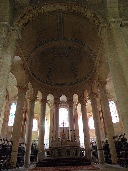 Chœur de l'église Saint-Hilaire-le-Grand à Poitiers (86).