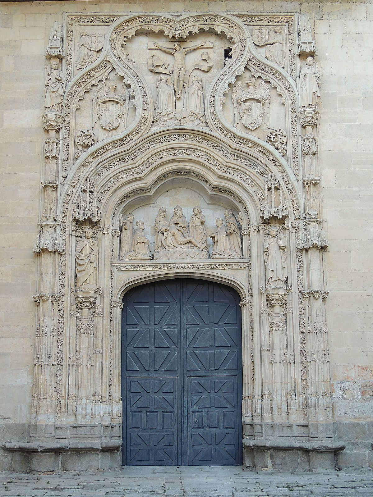 Convento de santa cruz la real wikipedia la for Muebles rey segovia