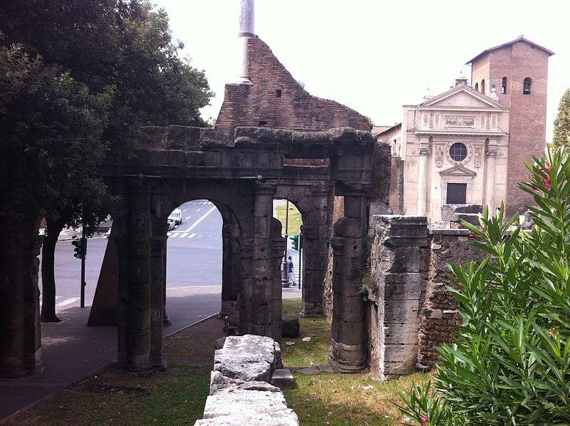 Porticus trimphalis - Rome-1.JPG