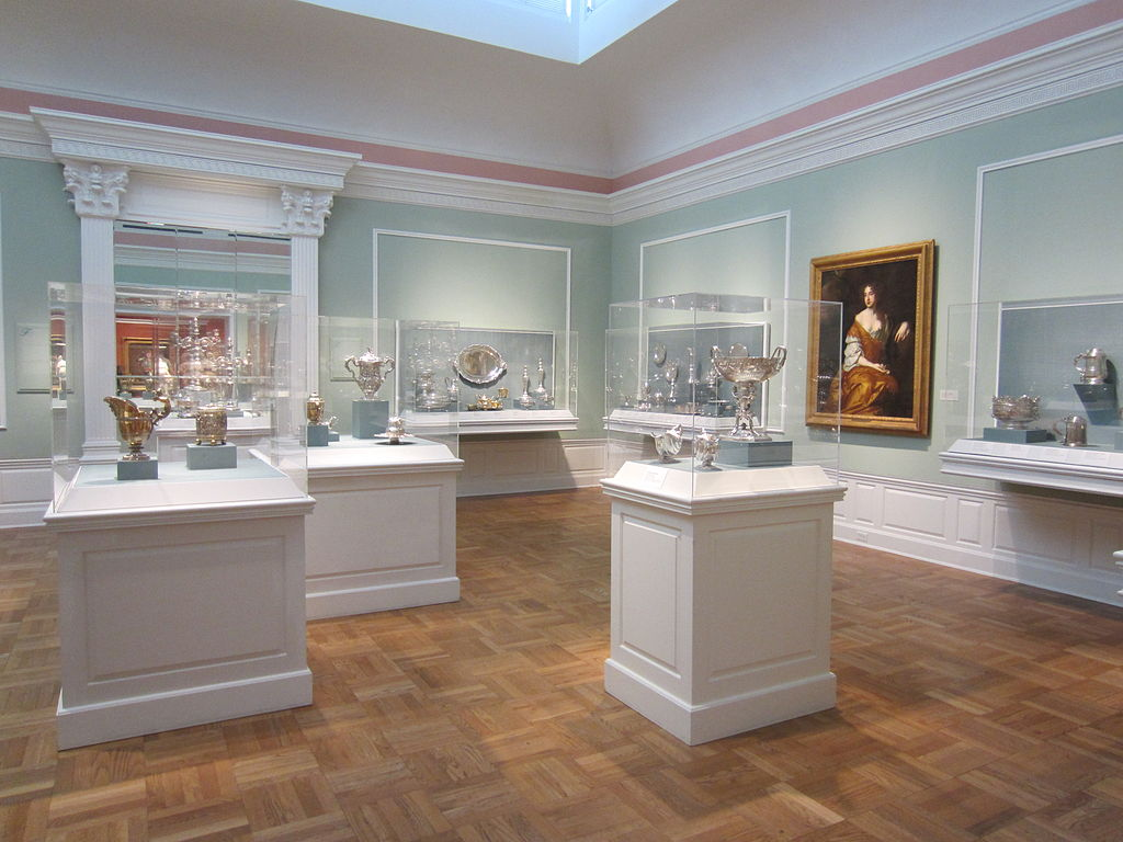 File:Portland Art Museum interior (September 2013) - 3.JPG ...