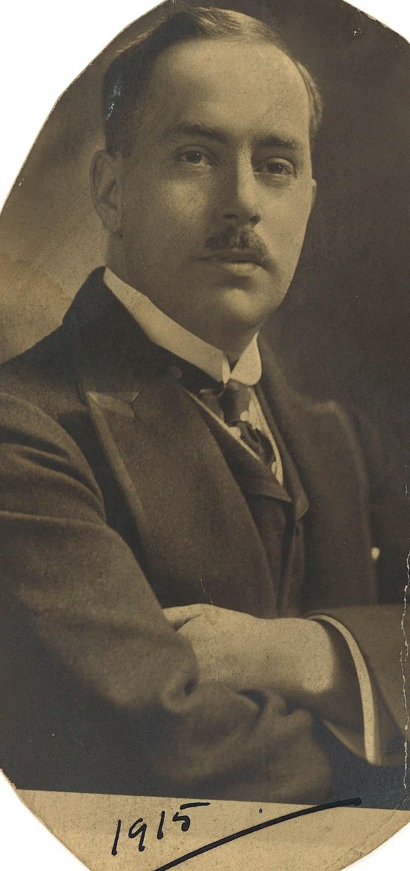 Ca s'est passé en septembre ! 800px-Portrait_de_Georges-Henry_Duquet_en_1915