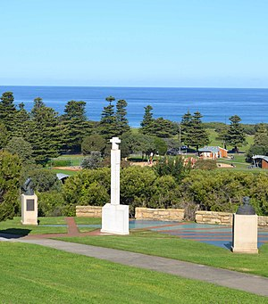 Theory of the Portuguese discovery of Australia - Monument including statues of Vasco Da Gama and Prince Henry the Navigator, at Warrnambool, Victoria
