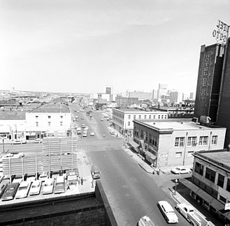 Poydras Street - Poydras Street in 1962 before it was widened and before De Soto (Le Pavillon) Hotel renovation