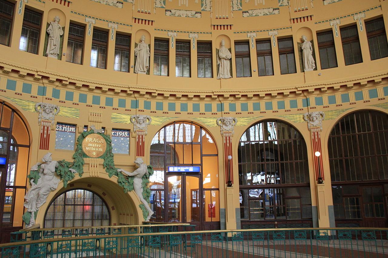 File prague praha 2014 holmstad central station sentral for Central prague