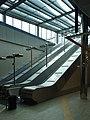 Praha, Stodůlky, západní vestibul metra, eskalátory.JPG