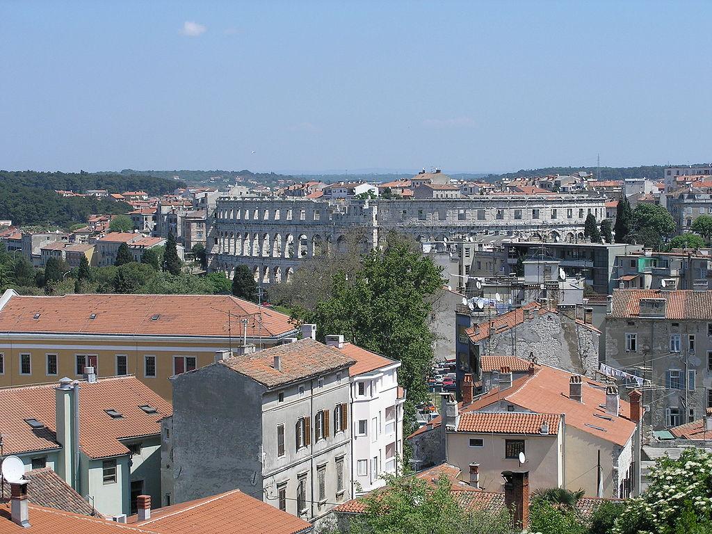 Panorama de Pula, por Orlovic