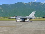 ROCAF F-16B 6818 Taxiing at Hualien Air Force Base 20170923b.jpg