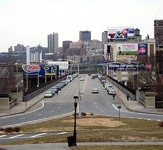 Riverside Drive (Manhattan) - Image: RSD Viaduct GT jeh