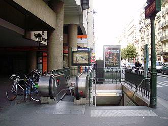 Rambuteau (Paris Métro) - Image: Rambuteau métro 03