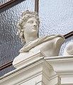 Ravensburg Konzerthaus Hauptfassade Büste Apoll.jpg