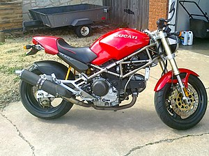 Miguel Angel Galluzzi - Image: Red 1994 Ducati Monster M900 right