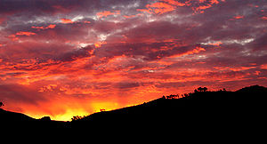 Pôr-do-sol na Austrália, perto de Swifts Creek