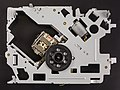 Renault 8200607915 - CD player - chassis with optical unit-92360.jpg
