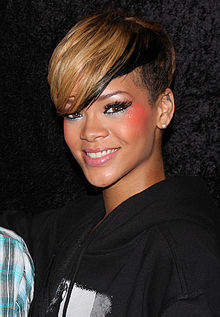 Rihanna, 2010, Paris.jpg