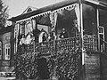 Russischer Photograph - Die Veranda eines typischen Landhauses aus dem 19. Jahrhundert (Zeno Fotografie).jpg
