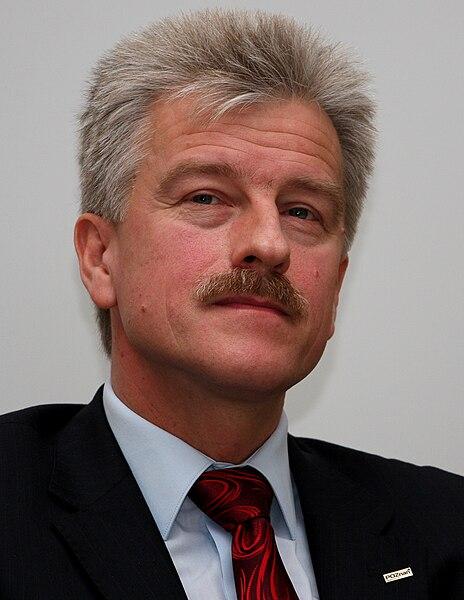 File:Ryszard Grobelny, PL Poznań, UAM WNPiD election debate (2010).jpg