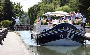 Hotel barge - Saint Louis crossing Agen aqueduct on the Canal de Garonne