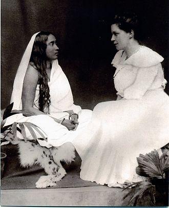 Sister Nivedita - Sarada Devi (left) and Sister Nivedita