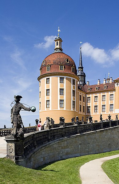 File:Schloss.Moritzburg.Detail.from.South-East.2005.08.01.538.jpg
