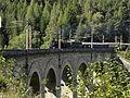 Semmering - Sonderzug mit Dampflok 109-13 und Nachschiebe-E-Lok auf dem Adlitzgrabenviadukt.jpg