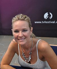 Sharon Case, interprète de Sharon Newman en 2013.