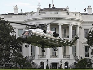 Sikorsky VH-92 lands in front of the White House during tests, 22 September 2018 (180922-M-ZY870-531).jpg