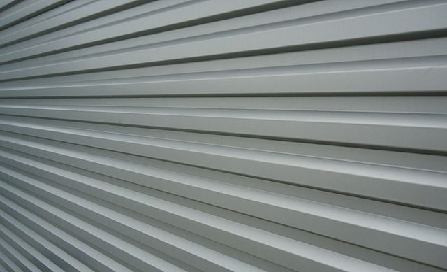 File Silver Siding For Building Jpg Wikimedia Commons
