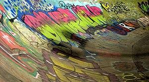 English: Skate board Graffiti Graffiti that's ...