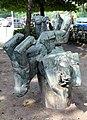 Skulptur Behmstr 40 (Weddi) Fußballspieler Michael Schoenholtz 1978 4.jpg