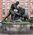 Skulptur Köllnischer Park (Mitte) Herkules im Kampf mit dem Nemëischen Löwen&Boy Schadow&178791.jpg