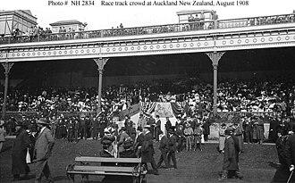 Ellerslie, New Zealand - Spectators at Ellerslie Racecourse, 1908