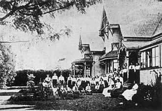 Fairholme College - Pupils and staff of Spreydon College, ca.1914