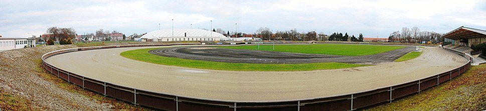 Stadion Haunstetten, a Sandbahn track