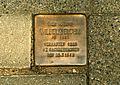 Stolperstein für Wilhelm Bluhm vor der Nedderfeldstraße 8.jpg