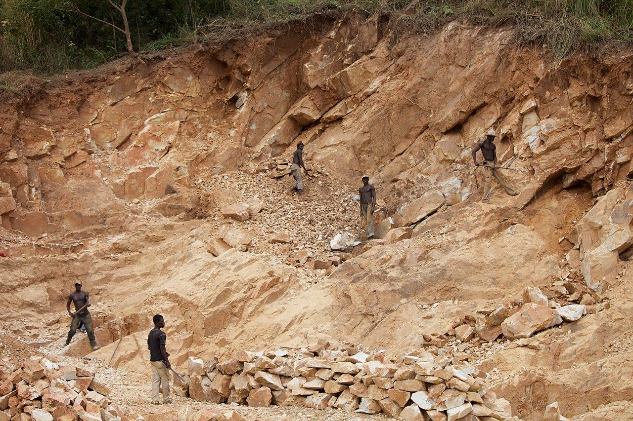 «Запад уже в истерике»: Россия может потеснить Европу в освоении природных ресурсов Африки