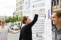 Straßenaktion gegen die Einführung eines europäischen Leistungsschutzrechts für Presseverleger 83.jpg