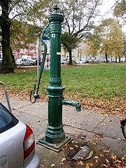 Straßenbrunnen43 PrBg EllaKay-Danziger (1).jpg
