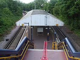 Sutton Common stn stairs.JPG