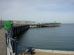 Swanage Pier - geograph.org.uk - 1206804.jpg