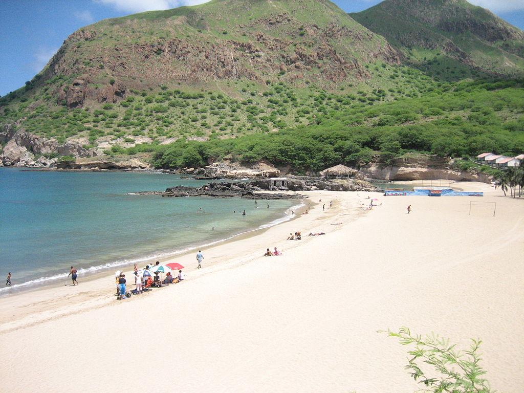 Isla Verde Beach House Hotel