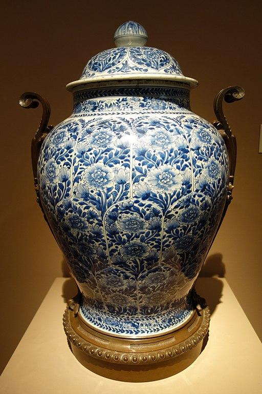 File Temple Jar 1 Of 2 China Qing Dynasty Kangxi Period 1662 1722 Porcelain With Underglaze Cobalt Bronze Decoration Chazen Museum Of Art Dsc01637 Jpg Wikimedia Commons