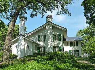 Ten Chimneys - Image: Ten Chimneys Main House 2