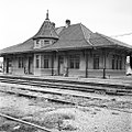 Texas and New Orleans, Southern Pacific Passenger Station, Nacogdoches, Texas (21660312356).jpg