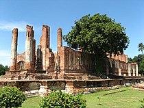 Thailand Ayutthaya Wat Thammikarat.jpg