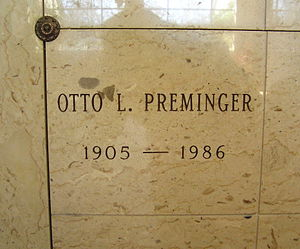 Otto Preminger - The niche of Otto Preminger in Woodlawn Cemetery