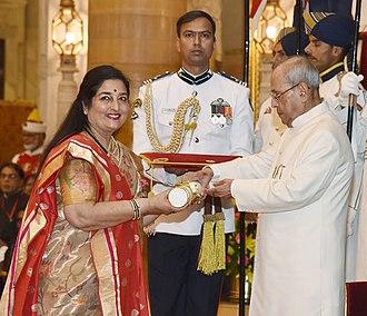 Anuradha Paudwal - The President, Shri Pranab Mukherjee presenting the Padma Shri Award to Dr. Anuradha Paudwal, at a Civil Investiture Ceremony, at Rashtrapati Bhavan, in New Delhi on March 30, 2017