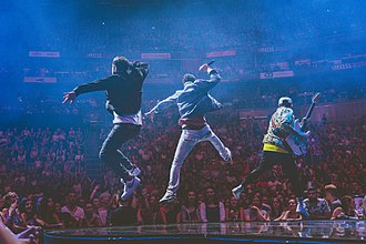 The Shadowboxers - The Shadowboxers leap during their performance on Justin Timberlake's MOTW Tour