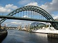 The Tyne Bridge, Newcastle - geograph.org.uk - 1299294.jpg